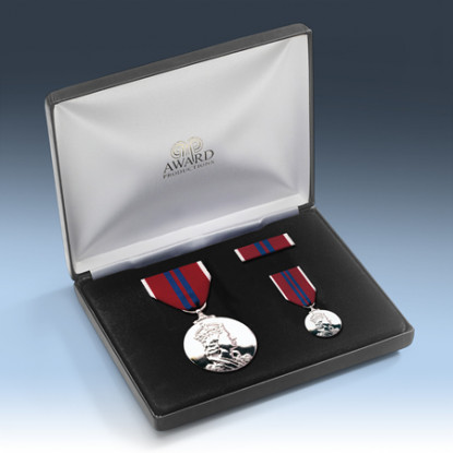 Queens 1953 Coronation Medal Presentation Set