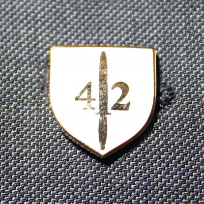 42 Commando Lapel Badge