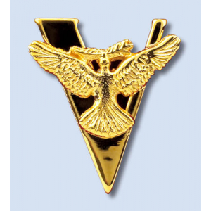 VICTORY PIN 24 CARAT GOLD PLATED