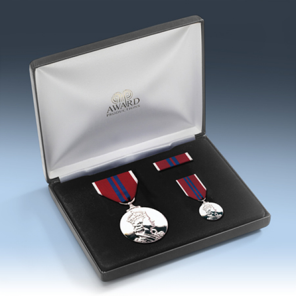 Queens 1953 Coronation Medal Presentation Set