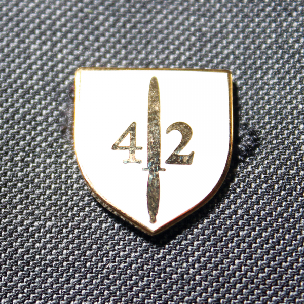 42 Commando Lapel Badge