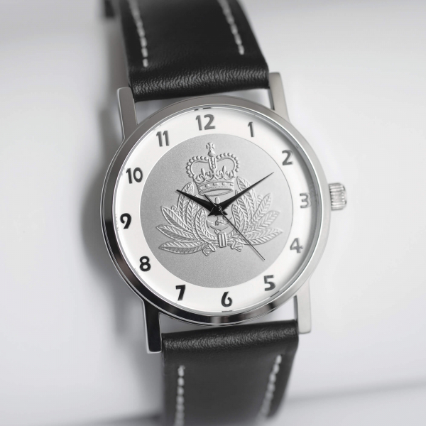 MILITARY WATCH BLACK STRAP    SILVER EMBLEM