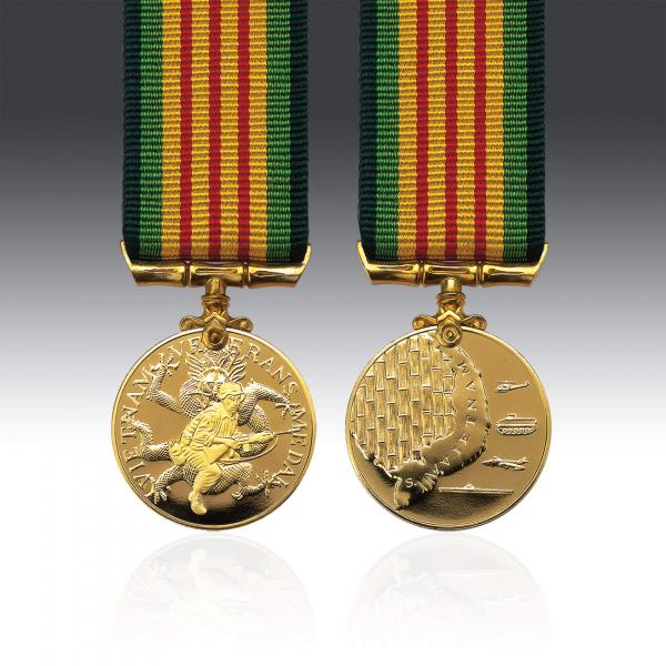 Vietnam Veterans Miniature Medal