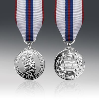 Queens Silver Jubilee 1977 Full Size Medal Loose