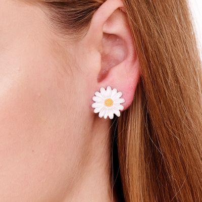 Daisy Stud Earrings- Pierced