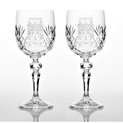 Presentation Set Of 2 Family Crest Panel Cut Wine Glasses