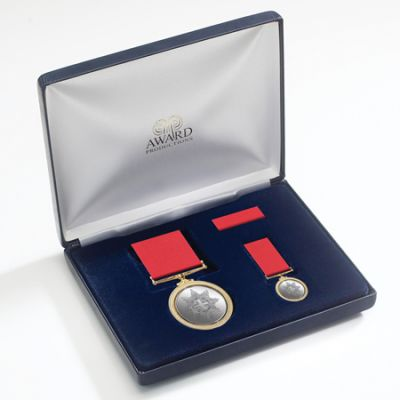Medal Presentation Set LE