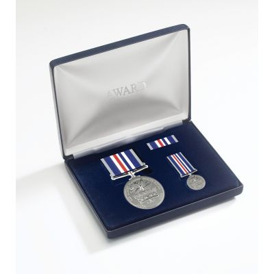 Commemorative Queen's Platinum Jubilee Medal Presentation Set