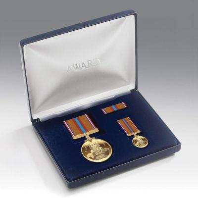 Medal Presentation Set SUEZ