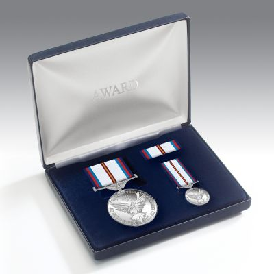 Victory & Peace 75th Anniversary Medal Presentation Set